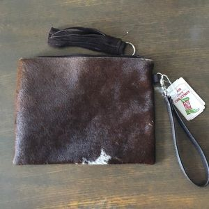 Clutch wristlet purse